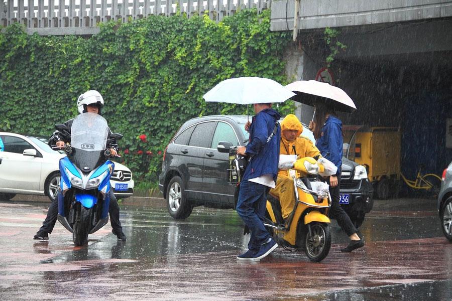 北京搬家公司怎么在下雨天搬家