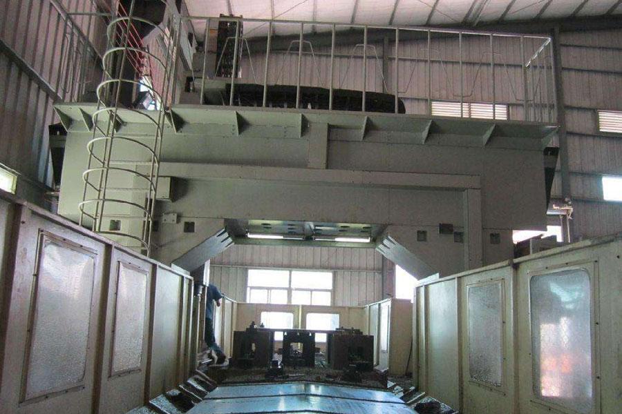 北京搬家公司使用起重大型设备的时候需要注意哪些事项?